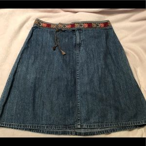 *Sale* DKNY embroidered waist denim skirt